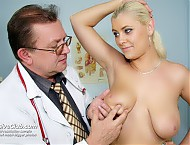 Alexa gyno pussy gyn tool visit at untidy gynoclinic with older cunny medic